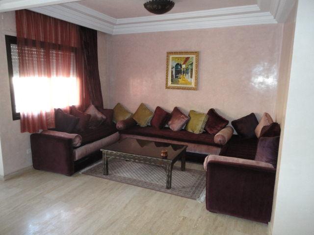 Peindre un salon marocain tadellakt anbra salon marocain for Peinture salon maroc violet